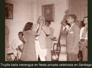 Rafael-Leónidas-Trujillo-baila-merengue-en-fiesta-privada-de-santiago-300x223